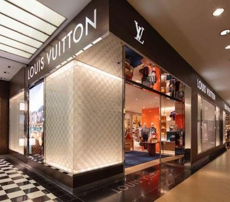 Exterior at Louis Vuitton in Bloomingdale's