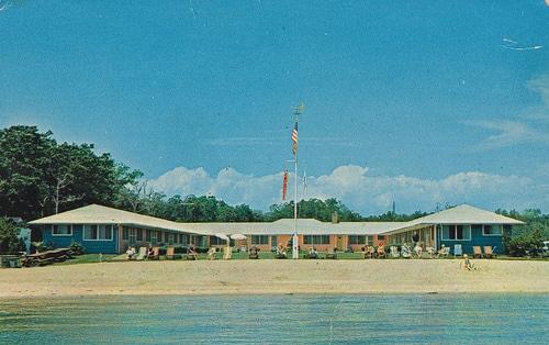 Silver Sands Vintage Postcard